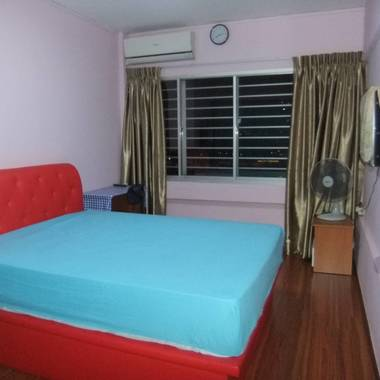 IMMEDIATE/URGENT- 1 common room - People's Park Complex,Chinatown