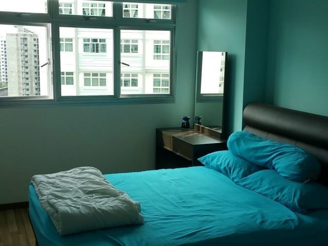 Single room - 10min walk from Punggol Mrt and Waterway Point