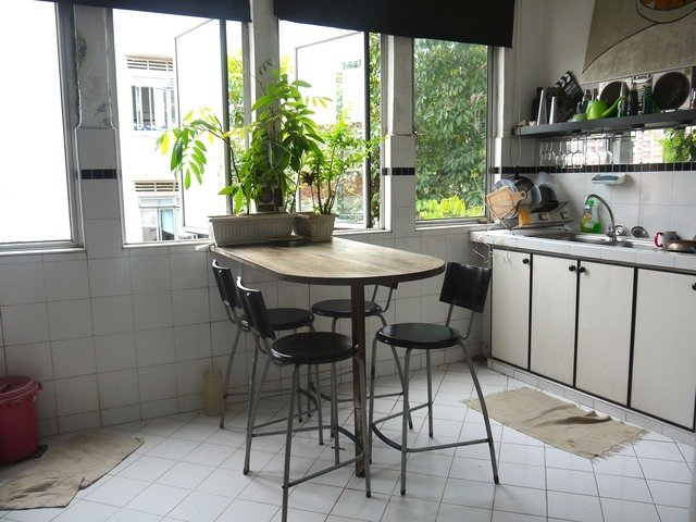 Spacious and bright rooms to rent in Farrer Park Mrt in a Shophouse apartment