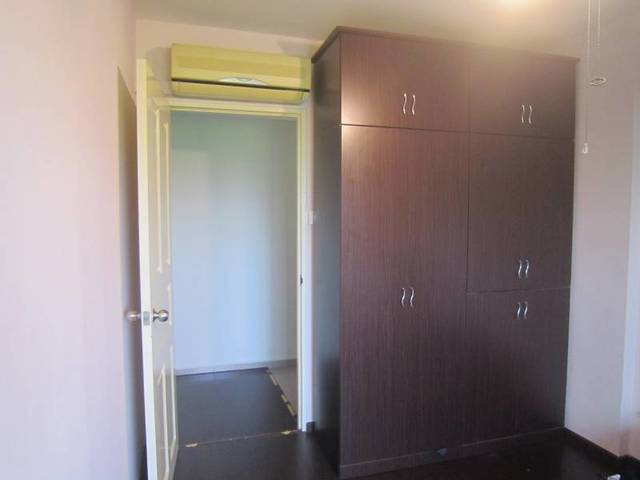 Unfurnished High Floor Sembawang Common Room for Rent - Cooking Allowed!
