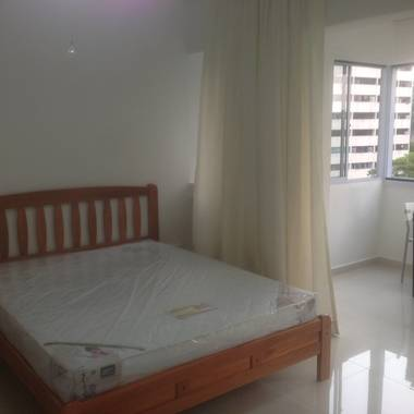 NICE Room With Balcony for rent, (NO OWNER STAYING) @ Clementi