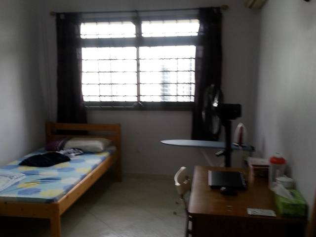 Tampines MRT common room for rent