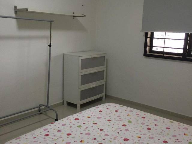 Bright Spacious Common Room Near Tampines Central