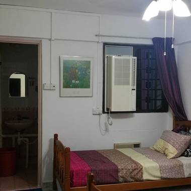 Master bedroom for Rent. Marsiling