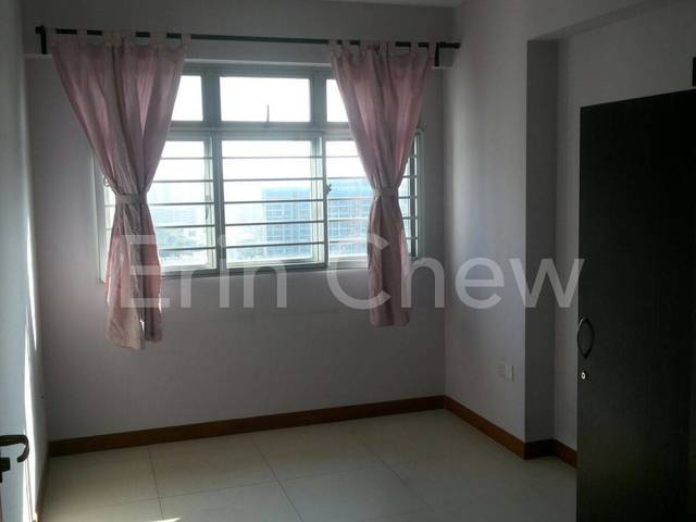 Common Room for Rent @ 333D Anchorvale Link