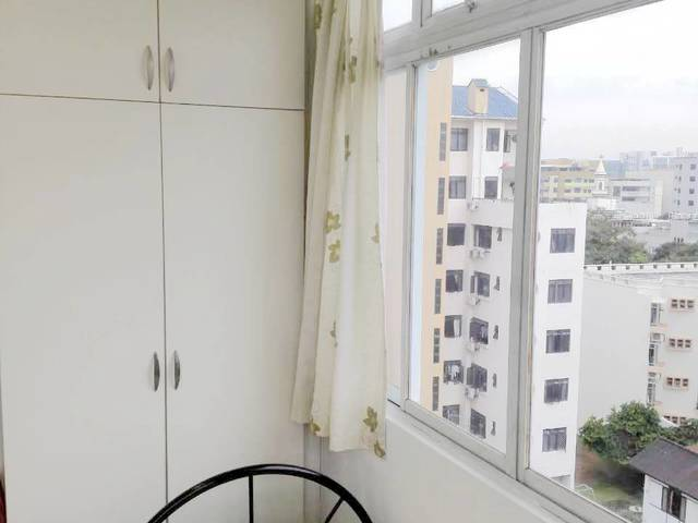 A female accommodation 430 include all just two person available, not two level bed