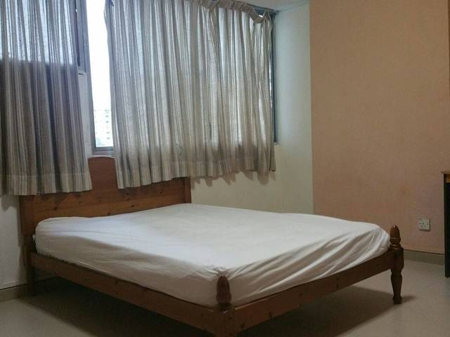 Spacious AC iRoom @ Rajah Towers Condo near Novena/Toa Payoh mrt & buses