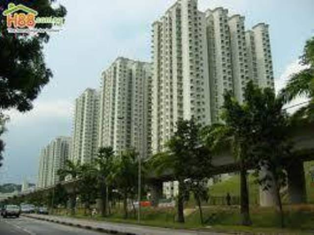 3 mins walk to Gombak MRT, clean and windy with lots of greenery and exercise facilities surrounding