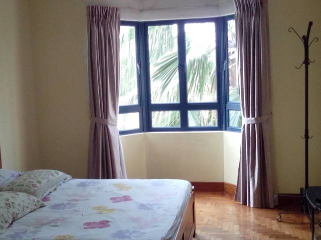 3 bedrooms unit 100m from West Coast beach